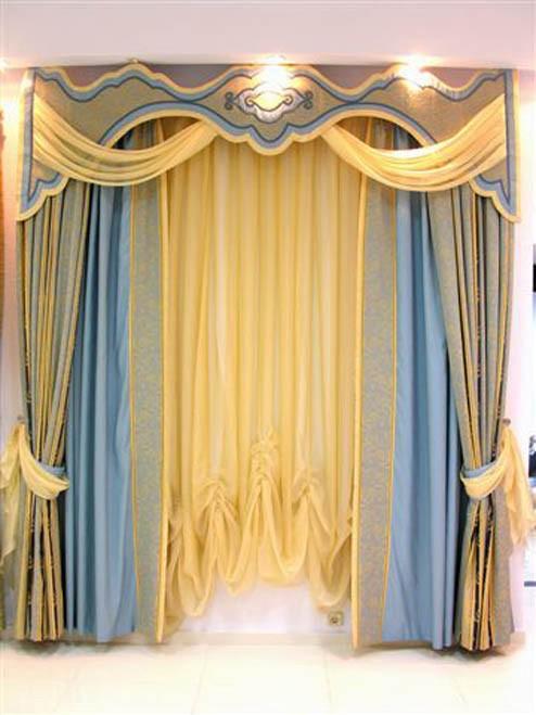 Дизайн штор с бандо для зала
